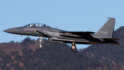 08-042 - McDonnell Douglas F-15K Slam Eagle - South Korea - Air Force
