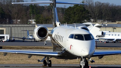 N576FX - Bombardier BD-100-1A10 Challenger 350 - Private