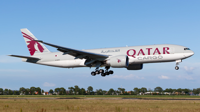 A picture of A7BFS - Boeing 777F - Qatar Airways - © Matteo Lamberts