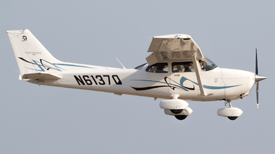 N6137Q - Cessna 172S Skyhawk SP - Private