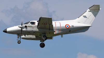 086 - Embraer EMB-121 Xingú - France - Air Force