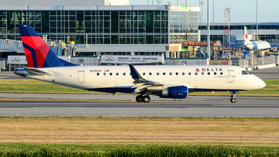 N292SY - Embraer 170-200LL - Delta Connection (SkyWest Airlines)