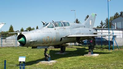 9348 - Mikoyan-Gurevich MiG-21UM Lancer B - Poland - Air Force