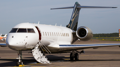 N612FG - Bombardier BD-700-1A10 Global Express - Private