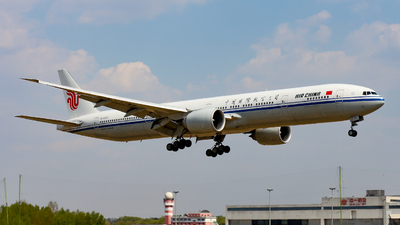 A picture of B1282 - Boeing 77739L(ER) - Air China - © ShenYang Doll