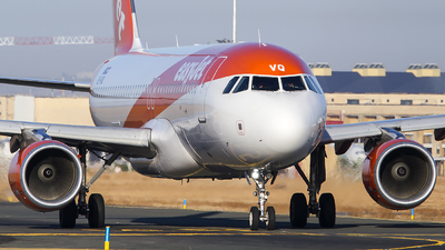 OE-IVQ - Airbus A320-214 - easyJet Europe