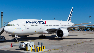 A picture of FGSPB - Boeing 777228(ER) - Air France - © William Verguet
