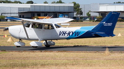 A picture of VHKYW - Cessna 172S Skyhawk SP - [172S12155] - © Michael Demura