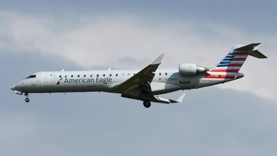 A picture of N754SK - Mitsubishi CRJ701ER - American Airlines - © DJ Reed - OPShots Photo Team