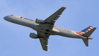 N952UW - Embraer 190-100IGW - American Airlines