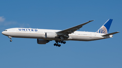 A picture of N2138U - Boeing 777322(ER) - United Airlines - © YunHyeok Choi