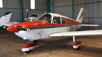 ZS-EOI - Piper PA-28-180 Cherokee - Private