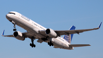 A picture of N19117 - Boeing 757224 - United Airlines - © Raul Sepulveda Merced