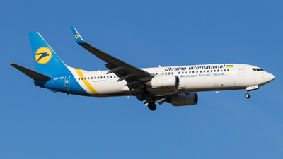 UR-PSY - Boeing 737-8EH - Ukraine International Airlines