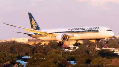 A picture of 9VSCK - Boeing 78710 Dreamliner - Singapore Airlines - © Leon Aviation