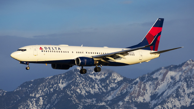 A picture of N3756 - Boeing 737832 - Delta Air Lines - © Michael Rodeback