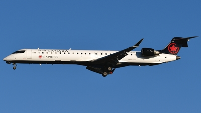 C-GPJZ - Bombardier CRJ-705LR - Air Canada Express (Jazz Aviation)
