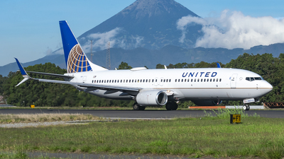 A picture of N87507 - Boeing 737824 - United Airlines - © Ariel Castillo Morales