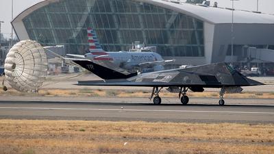 84-0811 - Lockheed F-117A Nighthawk - United States - US Air Force (USAF)