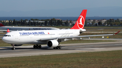 TC-LOH - Airbus A330-223 - Turkish Airlines