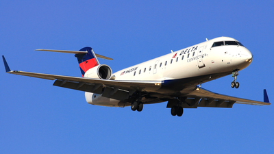 N423SW - Bombardier CRJ-200LR - Delta Connection (SkyWest Airlines)