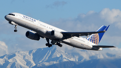 A picture of N12125 - Boeing 757224 - United Airlines - © Rocky Wang