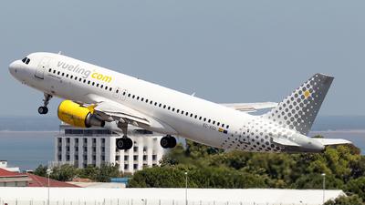 A picture of ECKCU - Airbus A320216 - Vueling - © Rui Sequeira