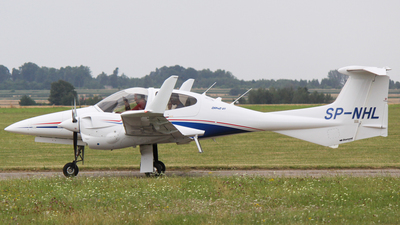SP-NHL - Diamond DA-42-VI Twin Star - Aero Club - Orlat Deblin
