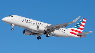 A picture of N245NN - Embraer E175LR - American Airlines - © Davin Amy