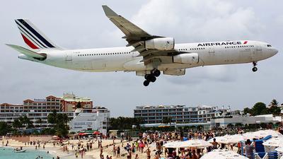F-GLZK - Airbus A340-313X - Air France