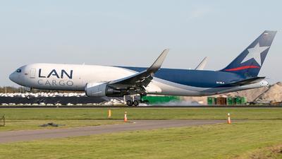 A picture of N418LA - Boeing 767316F(ER) - LATAM Cargo Chile - © Freek Blokzijl