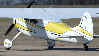 N1563D - Cessna 195 - Private