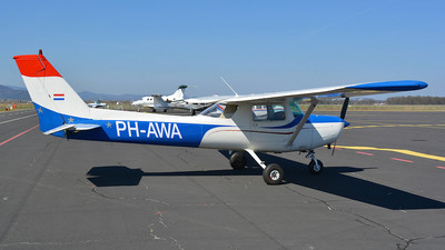 PH-AWA - Cessna 152 - Private