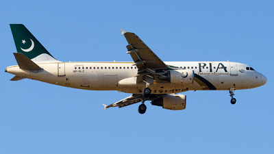 AP-BLZ - Airbus A320-216 - Pakistan International Airlines (PIA)