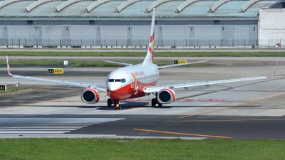 B-5813 - Boeing 737-74P - Lucky Air