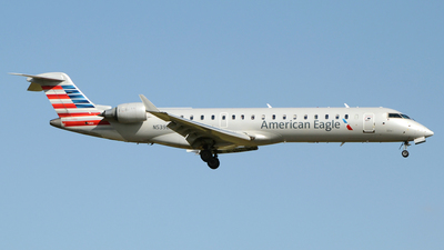A picture of N539EA - Mitsubishi CRJ702ER - American Airlines - © DJ Reed - OPShots Photo Team