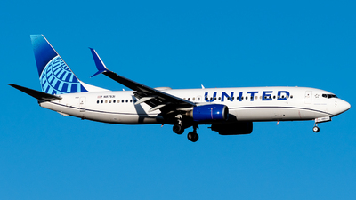 A picture of N87531 - Boeing 737824 - United Airlines - © Michael Place