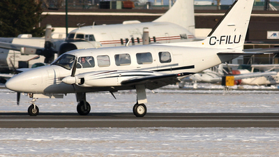 A picture of CFILU - Piper PA31350 - [317852138] - © Mike MacKinnon