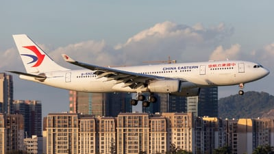 B-5903 - Airbus A330-243 - China Eastern Airlines