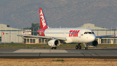 PR-MAV - Airbus A320-232 - TAM Linhas Aéreas