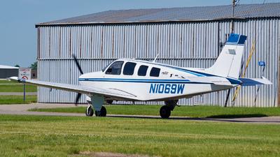 N1069W - Beech A36 Bonanza - Private