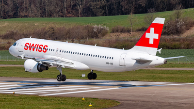 A picture of HBIJE - Airbus A320214 - Swiss - © Andrin Würsch