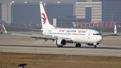 A picture of B5683 - Boeing 73786N - China Eastern Airlines - © Eric Wang