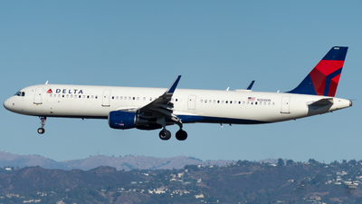 A picture of N359DN - Airbus A321211 - Delta Air Lines - © global_flyer1