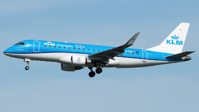 A picture of PHEXS - Embraer E175STD - KLM - © Stefan Bayer