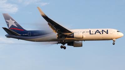 A picture of CCBDC - Boeing 767316(ER) - LATAM Airlines - © Antonio Carlos Carvalho Jr.