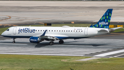A picture of N355JB - Embraer E190AR - JetBlue Airways - © Yenzell A. López Amador