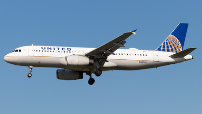 N447UA - Airbus A320-232 - United Airlines