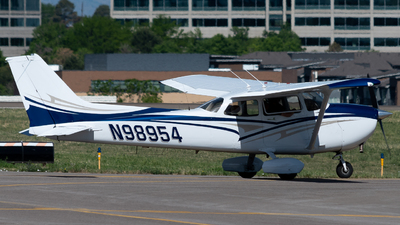 A picture of N98954 - Cessna 172P Skyhawk - [17276384] - © Michael Place