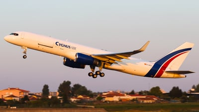 A picture of ECNFN - Boeing 757223(PCF) - Cygnus Air - © Luciano Silva